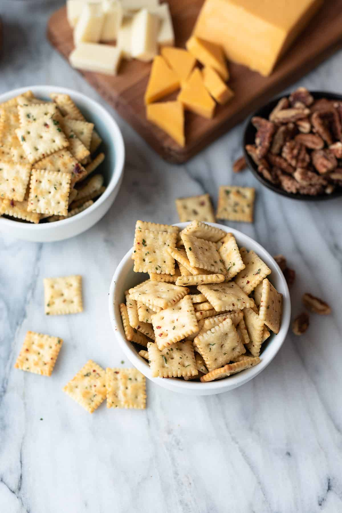 bowl of zesty cool ranch crackers (made with mini saltines)