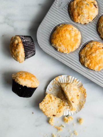 chipotle cheddar cornbread muffins | superman cooks