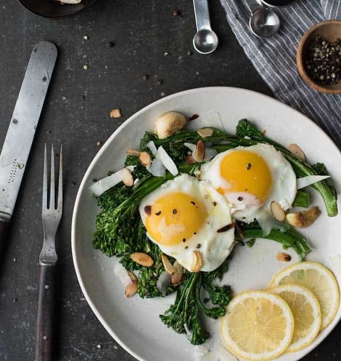 lemon broccolini topped with egg | superman cooks