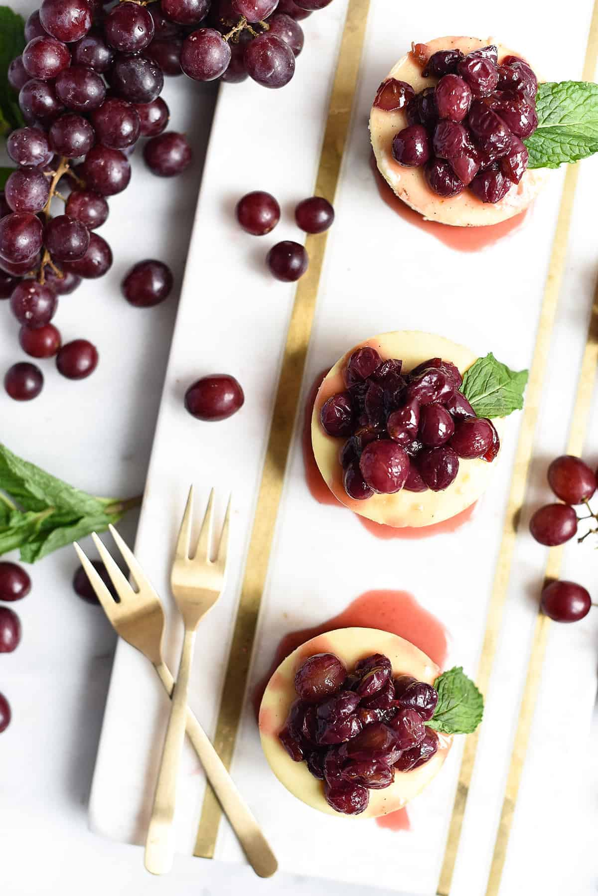mini cheesecakes with champagne roasted grapes | superman cooks